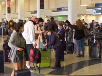 U.S. Holiday Travel Surges as U.S. COVID-19 Cases Soar Past  ...