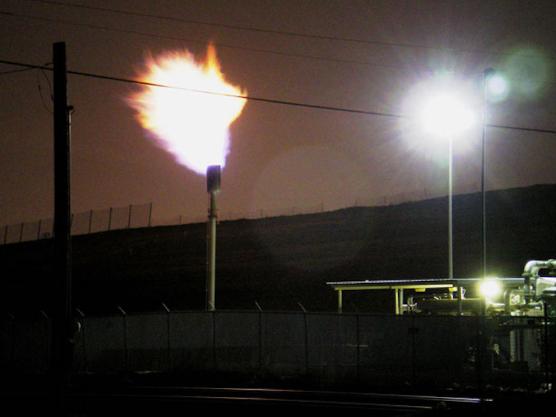 Photo of landfill burnoff flare. Credit: Eddie Hagler/Public Domain